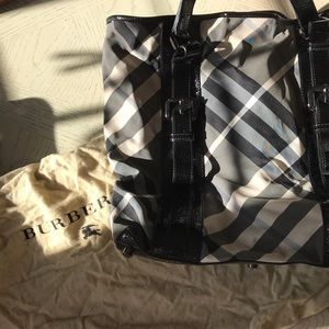 Canvas and patent leather Burberry tote